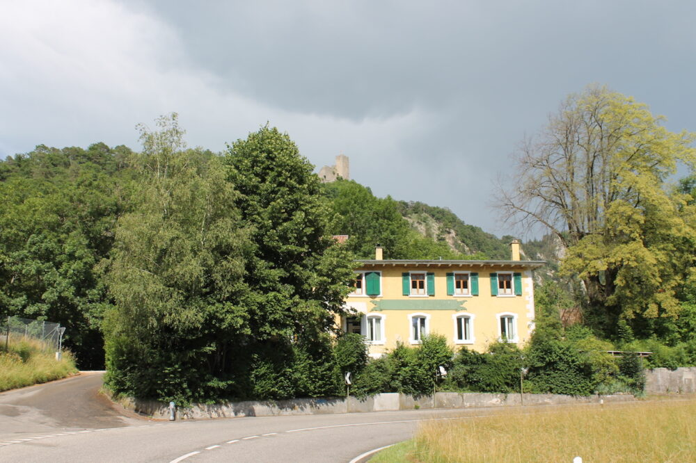 Hausfront_Strassenseite